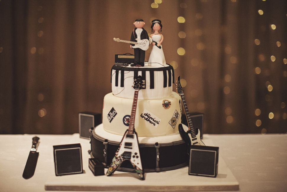Kur pasūtīt kāzu torti